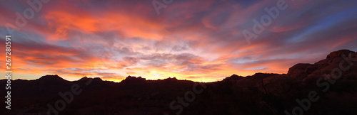 Photo  Red Rocks Canyon Outside of Las Vegas, Nevada at Sunset