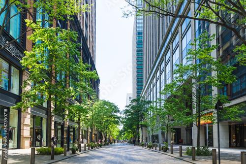 (東京都ー都市風景)丸の内オフィス街の夏3