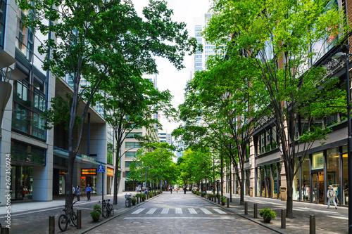 (東京都ー都市風景)丸の内オフィス街の夏5