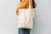 Woman Is Holding Bag Canvas Fa...
