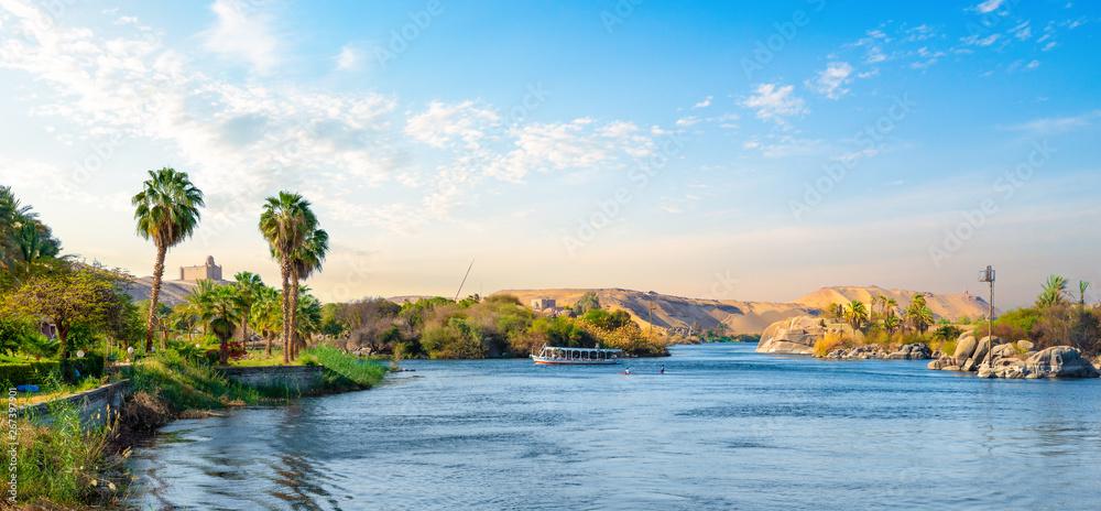 Fototapety, obrazy: Panorama of Nile river