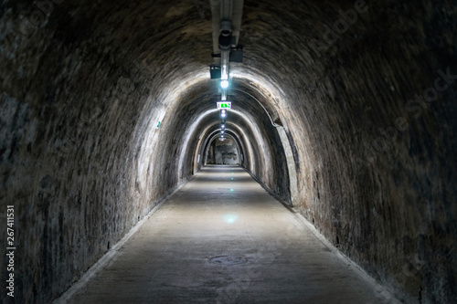 Papiers peints Tunnel Abandoned tunnel, 2 world war, architecture, minimalism