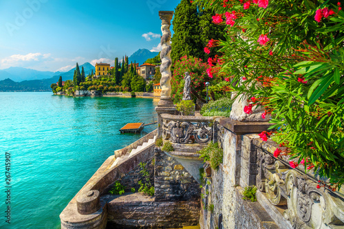 Fotobehang Blauw Lake Como with luxury villas and spectacular gardens, Varenna, Italy