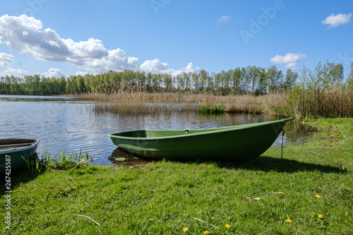 Fototapety, obrazy: recreation camping area by the blue lake in sunny summer day
