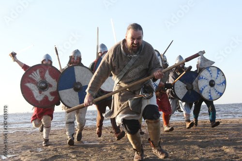 Photo  Slavic warriors reeanctors fight