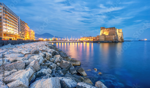 Photo Stands Napels Castel dell Ovo (Egg castle) in Naples, Italy