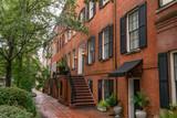 Fototapeta Sawanna - Brick townhouses in Savannah, Georgia