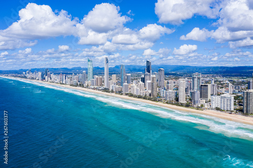Staande foto Abu Dhabi Sunny view of the City of Gold Coast on the Queensland coast