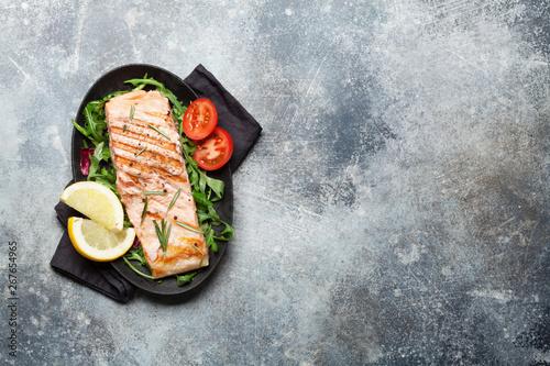 Fotografia  Grilled salmon fish fillet