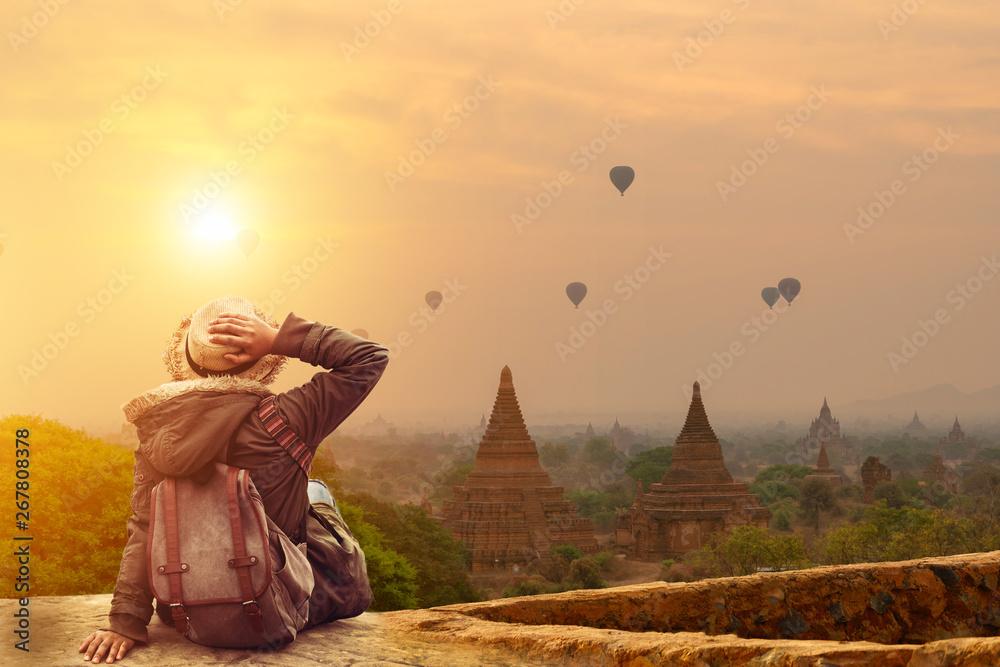 Fototapety, obrazy: Young traveler in Bagan Mandalay Myanmar