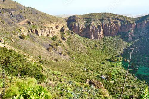 Canvas Print Hiking at volcanic crater Pico de Bandama in Gran Canaria - Spain