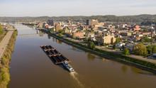 Barge Carries Coal Along Kanaw...