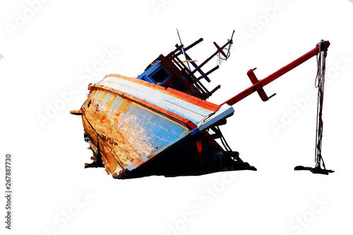 Foto op Plexiglas Schip The boat capsized in the sea Separate fracture, white background