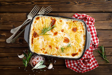 Potato Gratin. Baked Potato Wi...