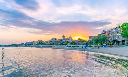 Sunset at the beach in Sunny Beach on the Black Sea coast of Bulgaria Fototapet