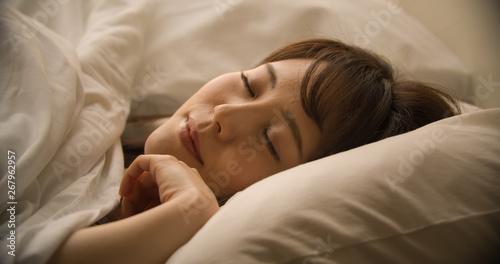 Fototapeta 睡眠・女性 obraz
