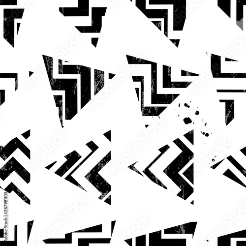 seamless background pattern, with triangles and stripes, black and white