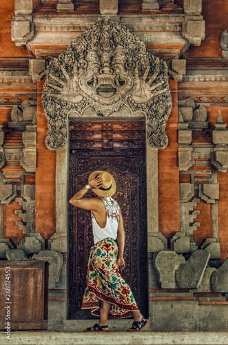 Foto op Aluminium Historisch mon. person standing near temple door
