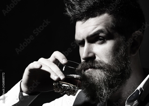 Bearded gentleman drink cognac Fototapet