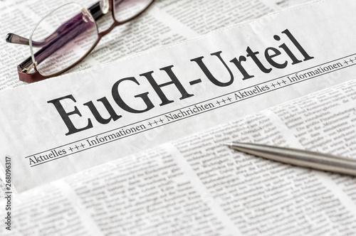 Foto op Plexiglas Londen Zeitung mit der Überschrift EuGH-Urteil