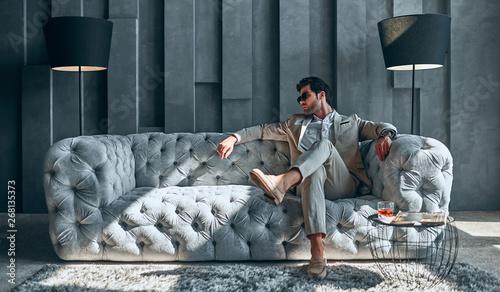 Valokuva  Stylish man at home