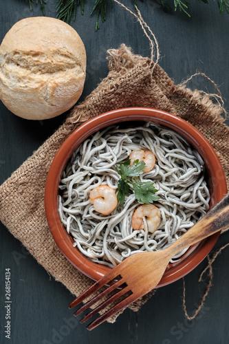 Fotomural Gulas with garlic and prawns