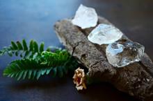 Set Of 3 Raw Crystals: Clear Quartz, Smokey Quartz, Rose Quartz. Positivity Crystals, Raw Assortment Of Healing Crystals On Wood Slab. Natural Healing Reiki Energy, Meditation Stones.