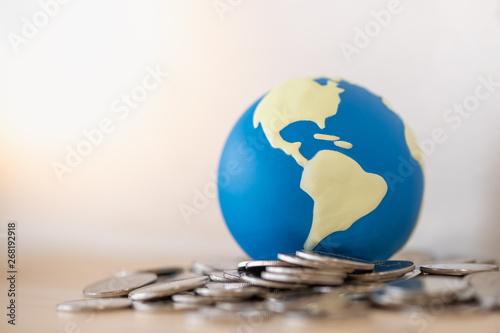 Valokuvatapetti Global Business, Money, Finance and saving concept