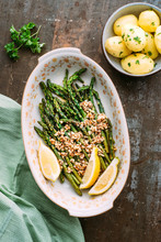 Food: Grilled Green Asparagus With Olive Oil Crunched Rasted Alm