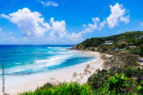 Tableau sur Toile Coastal view of Byron Beach, Byron Bay, Australia.