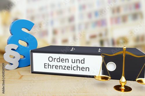 Fotografie, Obraz  Orden und Ehrenzeichen – Recht/Gesetz