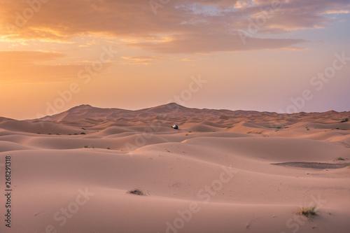 Poster Maroc Beautiful dawn in the Sahara Desert, Morocco