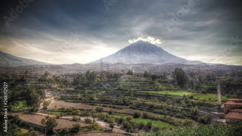 Photo Panoramic view to misti mountain and Arequipa city from Yanahuara viewpoint, Are