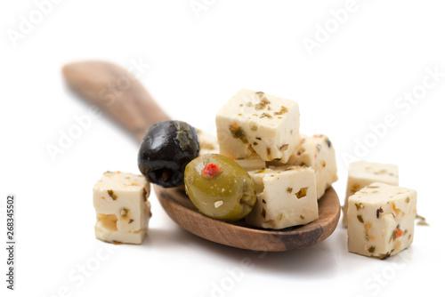 Fototapeta Hirtenkäse mit Oliven, mariniert obraz