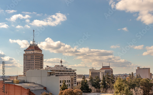 Photo Downtown Fresno Skyline, California, USA, on a spring afternoon.