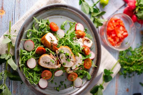 Valokuva  Chicken roulade with fresh salad