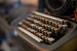 Alte historische antike Schreibmaschine