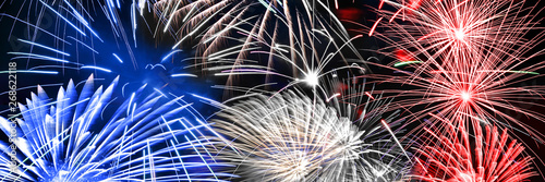 Blue white and red fireworks panoramic background, US or France national party c Canvas-taulu