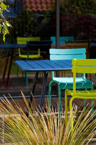 Terrasse et salon de jardin coloré - Buy this stock photo ...