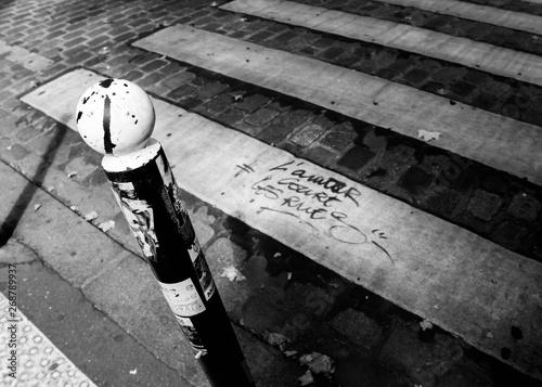 Photo  L'amour court les rues