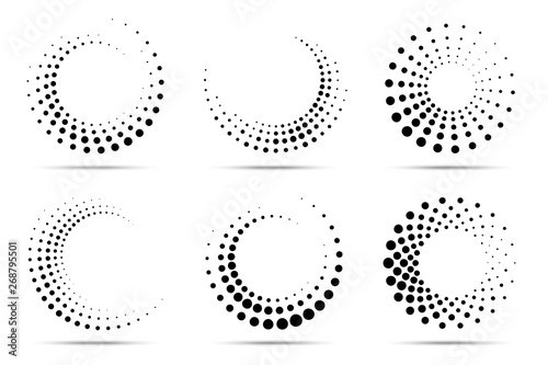 Photo  Halftone circular dotted frames set
