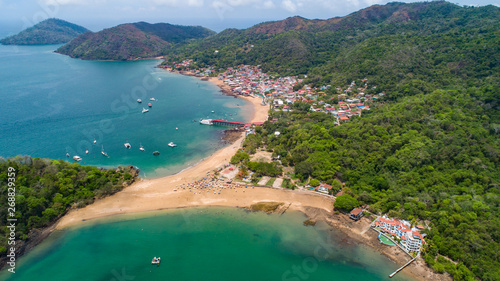 Fotografía  Taboga Island , also known as the island of Flowers, is a volcanic island in the Gulf of Panama