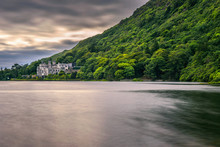 Kylemore Abbey In Ireland And ...