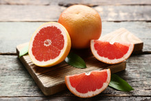 Ripe Grapefruits With Green Le...