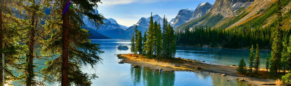 Fototapety, obrazy: Panorama view Beautiful Spirit Island in Maligne Lake, Jasper National Park, Alberta, Canada