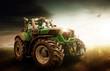canvas print picture - Traktor steht auf dem Feld
