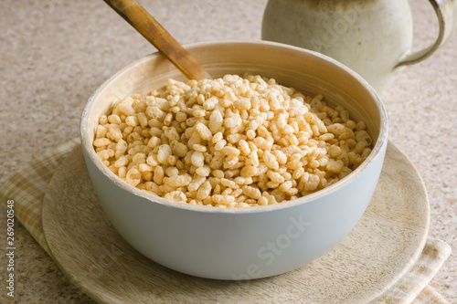 Canvastavla Puffed rice breakfast cereal in a wooden bowl