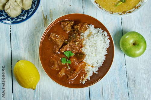 Cuadros en Lienzo Lamb and apricot Cape Malay curry