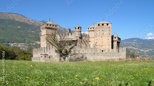 castello di fenis in italia, castle in fenis village in italy