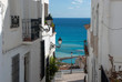 canvas print picture - Blick zum Meer in Gasse von Altea, Costa Blanca